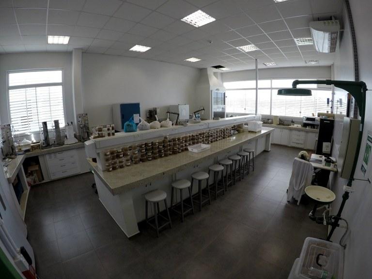 Lab. 101 - Bloco 03