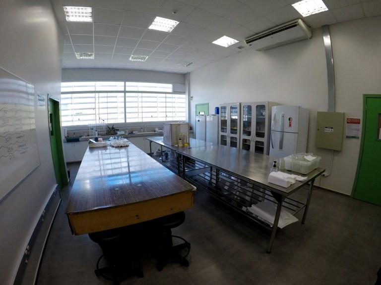 Lab. 103 - Bloco 03 (1)