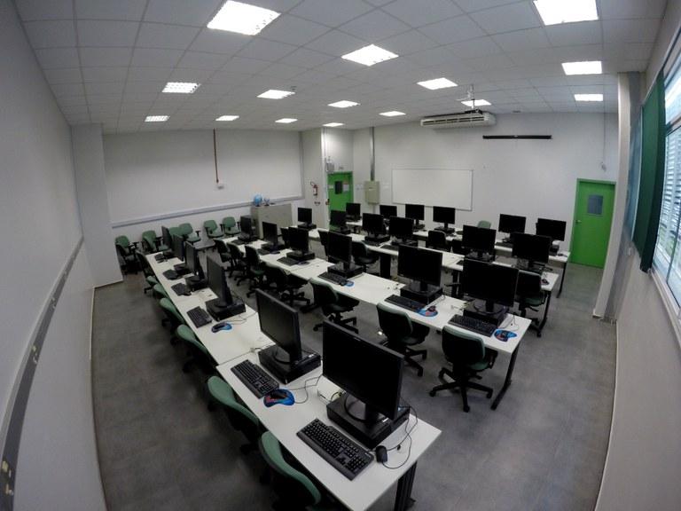 Lab. 107 - Bloco 04