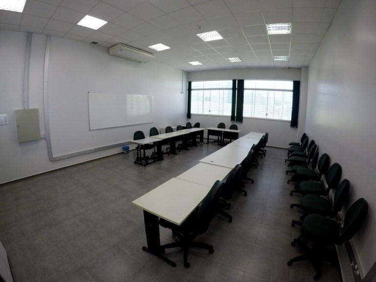 Sala 111 - Lab. 02