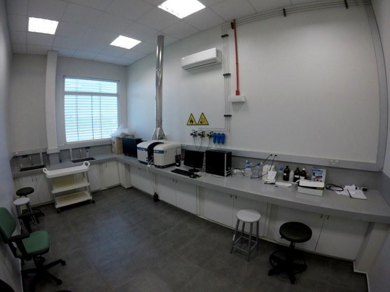 Lab. 107 - Bloco 03 (2)