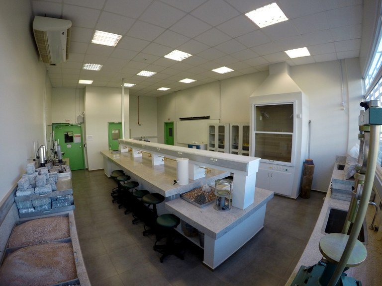 Lab. 110 - Bloco 03