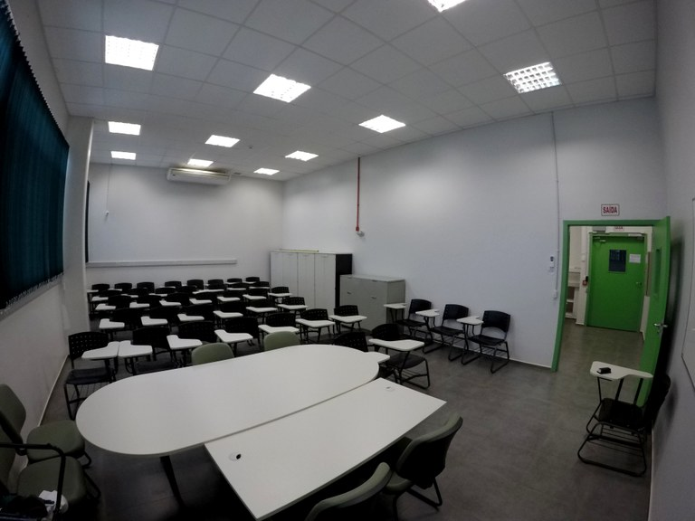 Lab. 110 - Bloco 04 (1)