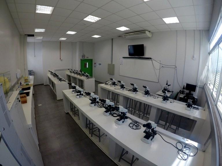 Sala 106 - Lab. 01